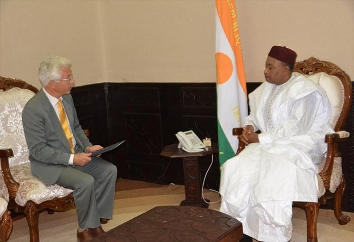Niger l allemagne va construire une base militaire en for Construire une maison au mali