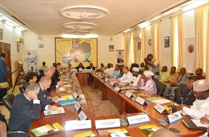 Rencontre d change entre les chefs d entreprises fran ais for Chambre de commerce du cameroun
